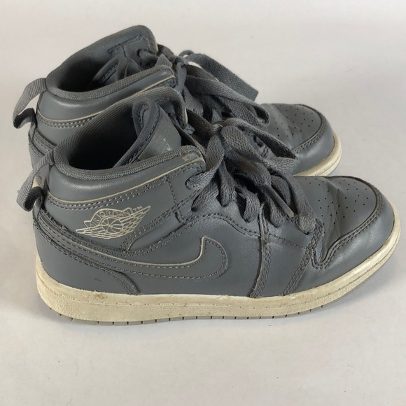 best loved bc2dd e429f Nike Air Jordan AJ 1 Mid Top Sneakers Shoes Sz 11C